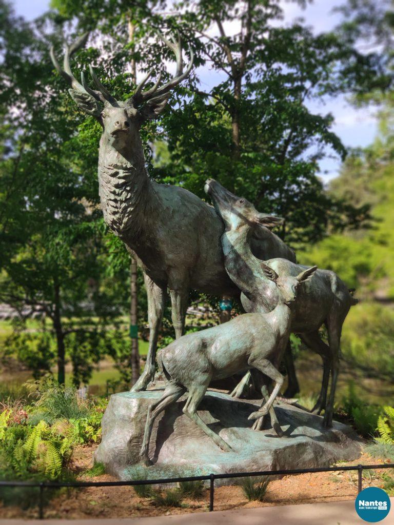 Statue Cerfs au repos