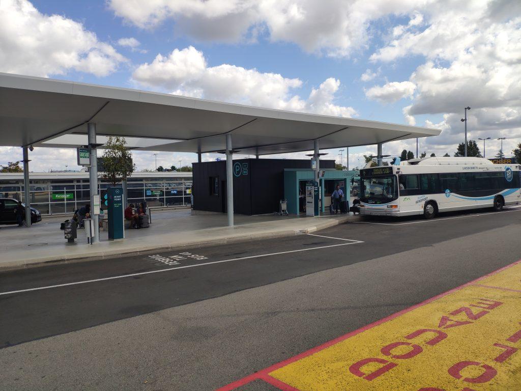 Arrêt de bus aéroport Nantes